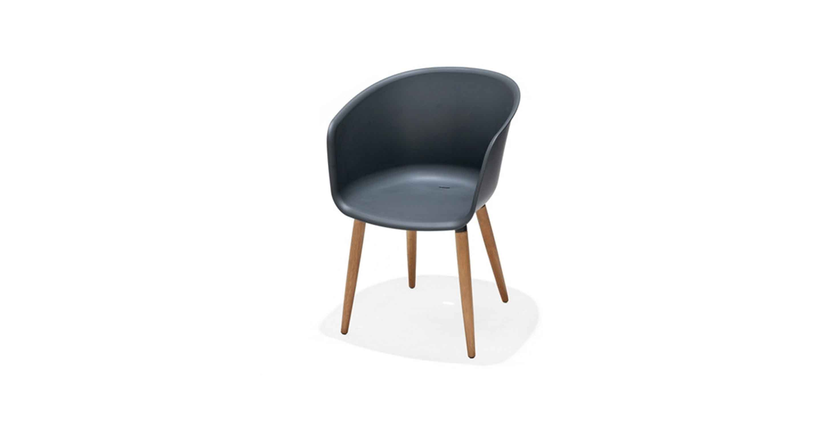 Montmartre carver easy chair
